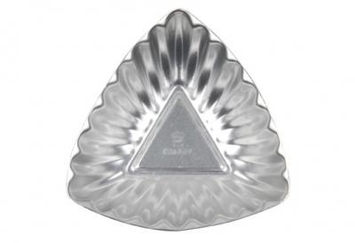 Khuôn hình tam giác gợn sóng