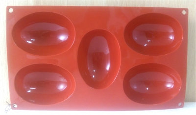 Khuôn silicone 5 nữa quả trứng