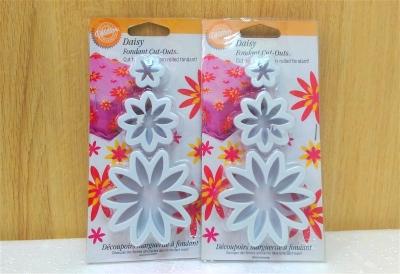 Khuôn nhựa cắt bánh hoặc fondant hình hoa