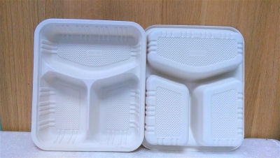 Khay nhựa 3 ngăn - 10 cái/bịch