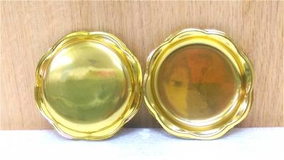 Đĩa nhựa đựng bánh tròn vàng viền hoa - 200 cái/bịch