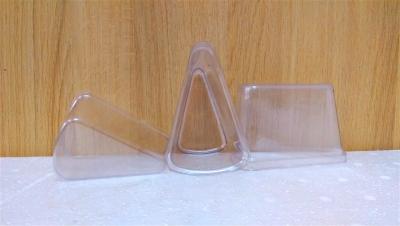 Ly nhựa trong hình tam giác - 50 cái/bịch