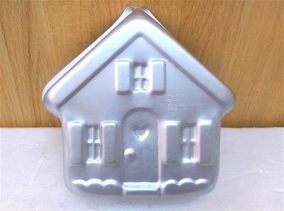 Khuôn bánh hình ngôi nhà