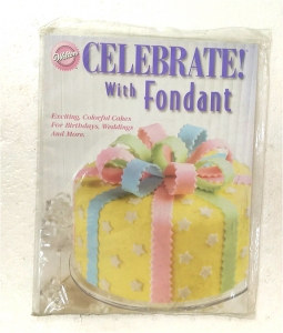 Sách hướng dẫn Celebrate with Fondant